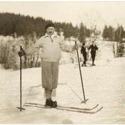 Kornel Makuszynski na nartach ok. 1930