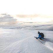 Wkrótce-pierwszy-śnieg,-więc-podpowiadamy-jak-się-ubrać-na-skitoury