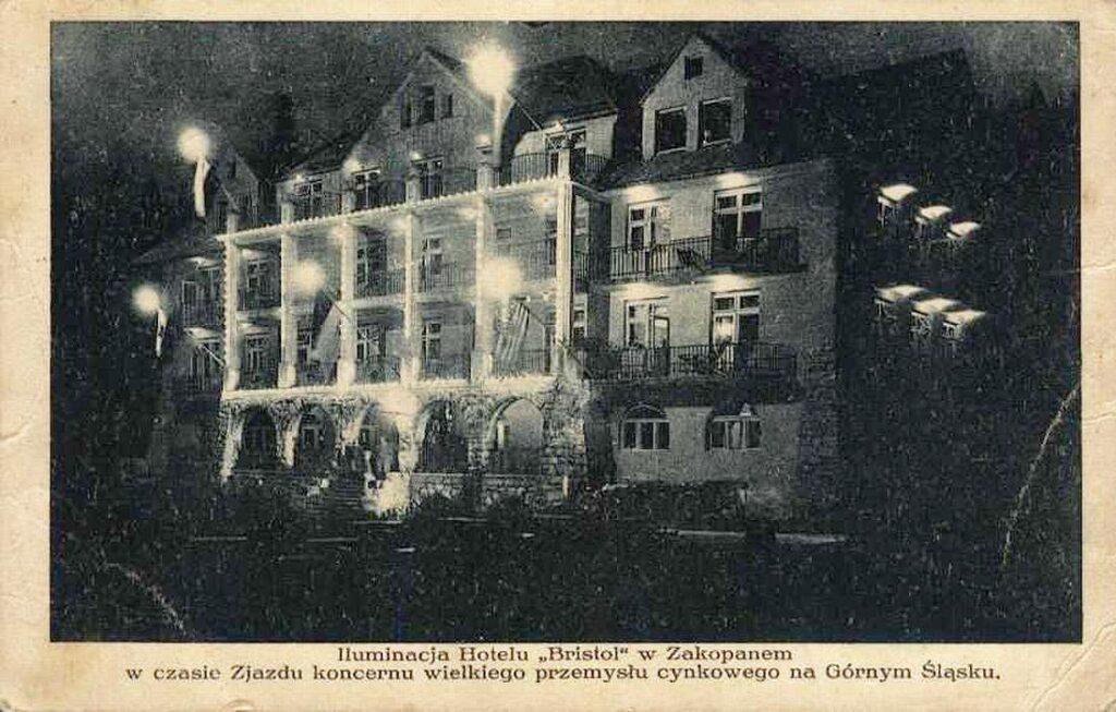Nocna iluminacja Hotelu Bristol w Zakopanem